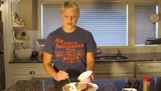 Jessica's Cleaner, Leaner Kitchen: Healthy Yogurt Breakfast Burrito